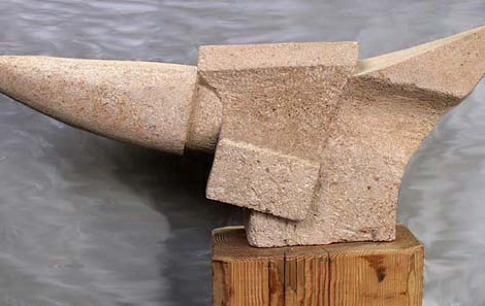 Adicto al pasado 33 x 75 x 19 piedra de Fuendetodos